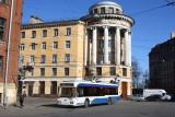 на углу Старорусской и Новгородской улиц