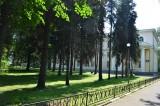 Национальный институт бизнеса перед корпусом В