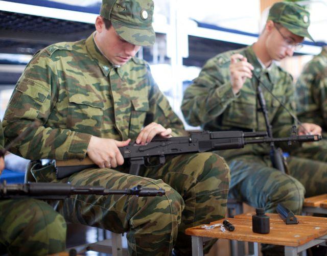 Студенты Института военного образования СПбГУТ