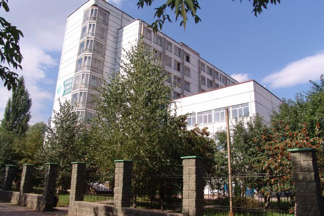 Фасад здания УГУЭС