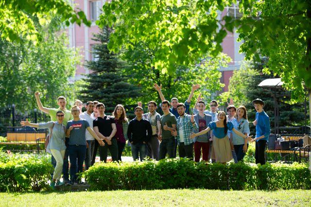 Студенты АГНИ