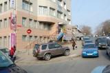главные двери - Современная гуманитарная академия - Владивостокский филиал