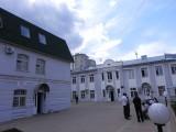 Двор института