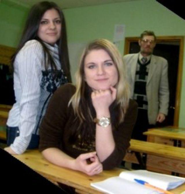 Студентки АМИ
