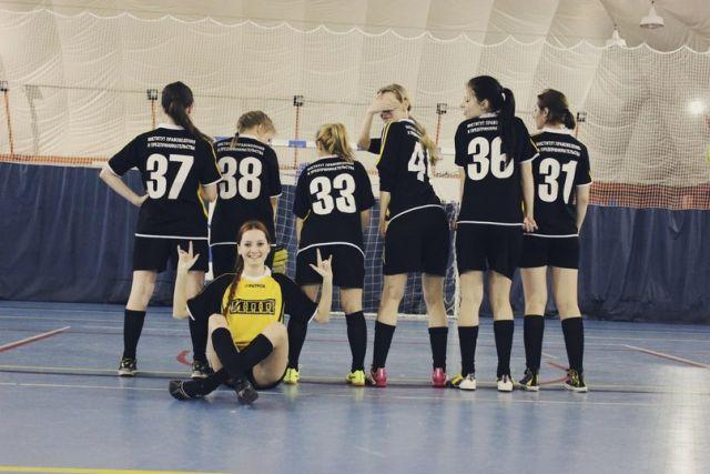 Женская сборная по футболу